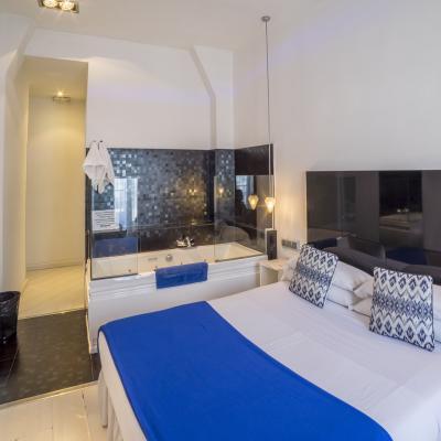 Habitación Doble con Jacuzzi - Hostal en el centro de Madrid, barato y calidad - Hostal Santo Domingo¨¨¨¨¨¨¨¨